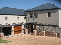 R 25,000 - 4 Bedroom, 4 Bathroom  Property To Rent in Atlantic Beach Estate, Cape Town, Table Bay