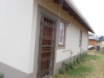 R 3,000 - 2 Bedroom, 1 Bathroom  Property To Rent in Randfontein