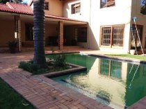 R 2,745,000 - 3 Bedroom, 2 Bathroom  Home For Sale in Douglasdale