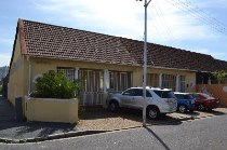 R 3,300,000 - 6 Bedroom, 3 Bathroom  House For Sale in Observatory