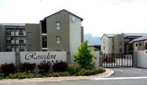R 795,000 - 2 Bedroom, 1 Bathroom  Flat For Sale in Rondebosch East, Cape Town, Eastern Suburbs