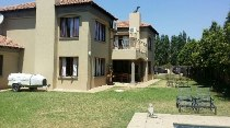 R 2,945,000 - 3 Bedroom, 2.5 Bathroom  House For Sale in Silver Lakes Golf Estate