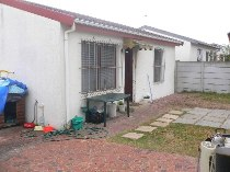 R 720,000 - 2 Bedroom, 1 Bathroom  House For Sale in Richwood