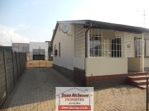 R 660,000 - 3 Bedroom, 1 Bathroom  Property For Sale in South Hills
