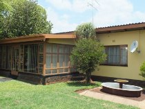 R 1,300,000 - 3 Bedroom, 2 Bathroom  House For Sale in Valhalla