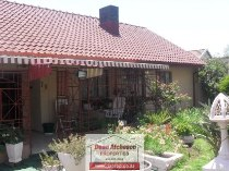 R 750,000 - 3 Bedroom, 1 Bathroom  House For Sale in Roseacre