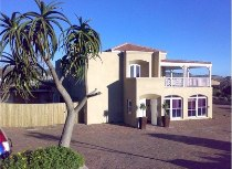 R 7,000,000 - 4 Bedroom, 4 Bathroom  House For Sale in Scarborough