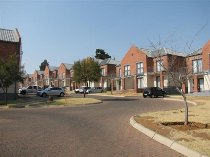 R 8,200 - 2 Bedroom, 1 Bathroom  Residential Property To Rent in Auckland Park