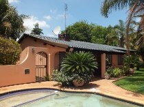 R 1,600,000 - 3 Bedroom, 2 Bathroom  Home For Sale in Valhalla