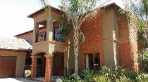 R 3,890,000 - 3 Bedroom, 2.5 Bathroom  House For Sale in Silver Lakes Golf Estate