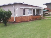 R 7,000 - 4 Bedroom, 1 Bathroom  Home To Rent in Dalview