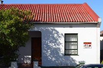 R 2,000,000 - 3 Bedroom, 1 Bathroom  House For Sale in Woodstock Upper, Cape Town, City Bowl