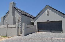 R 2,995,000 - 3 Bedroom, 2 Bathroom  Home For Sale in Durbanvale