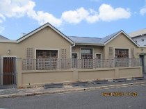 R 1,590,000 - 3 Bedroom, 2 Bathroom  Home For Sale in Muizenberg