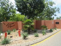 R 6,300 - 2 Bedroom, 2 Bathroom  Property To Rent in North Riding, Randburg