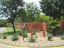 R 579,000 - 1 Bedroom, 1 Bathroom  Property For Sale in North Riding