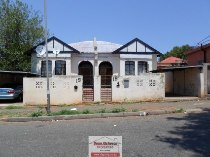 R 620,000 - 4 Bedroom, 2 Bathroom  Property For Sale in Jeppestown