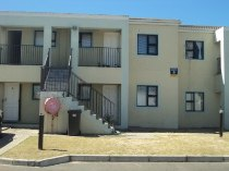 R 525,000 - 2 Bedroom, 1 Bathroom  Flat For Sale in Grassy Park, Cape Town, Eastern Suburbs