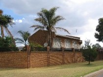 R 1,550,000 - 4 Bedroom, 3 Bathroom  Flat For Sale in Northmead