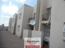 R 560,000 - 3 Bedroom, 2 Bathroom  Residential Property For Sale in Roseacre