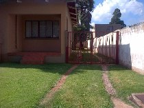 R 860,000 - 3 Bedroom, 1 Bathroom  Property For Sale in Florida