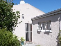 R 950,000 - 5 Bedroom, 2 Bathroom  House For Sale in Retreat