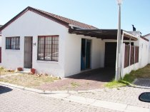 R 775,000 - 2 Bedroom, 1 Bathroom  Property For Sale in Ottery, Cape Town, Eastern Suburbs