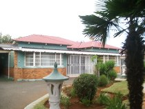 R 1,200,000 - 3 Bedroom, 2 Bathroom  House For Sale in Dalview