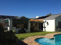 R 1,495,000 - 3 Bedroom, 2 Bathroom  House For Sale in Table View