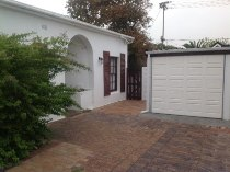 R 1,019,000 - 2 Bedroom, 1 Bathroom  Home For Sale in Wynberg, Cape Town, Southern Suburbs