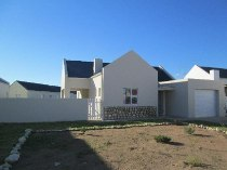 R 1,275,000 - 3 Bedroom, 3 Bathroom  House For Sale in Laguna Sands