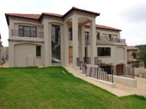 R 7,950,000 - 5 Bedroom, 5 Bathroom  House For Sale in Waterkloof Ridge