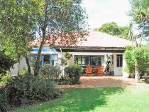 R 2,200,000 - 5 Bedroom, 3 Bathroom  House For Sale in Observatory