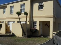 R 899,000 - 2 Bedroom, 2 Bathroom  Flat For Sale in Parklands, Cape Town, Table Bay