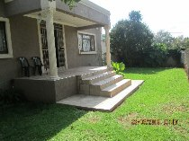 R 889,000 - 3 Bedroom, 1 Bathroom  House For Sale in Florida