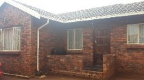 R 450,000 - 2 Bedroom, 1 Bathroom  Home For Sale in Protea Glen
