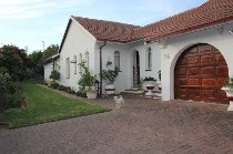 R 1,695,000 - 3 Bedroom, 2 Bathroom  House For Sale in Sharonlea
