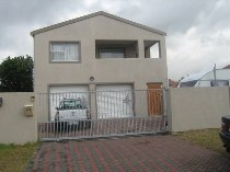 R 3,250,000 - 5 Bedroom, 3 Bathroom  House For Sale in Plumstead