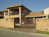 R 1,699,000 - 3 Bedroom, 2.5 Bathroom  Residential Property For Sale in North Riding
