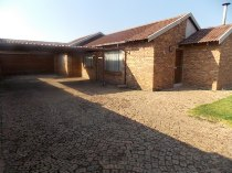 R 850,000 - 3 Bedroom, 2 Bathroom  House For Sale in Dawn Park