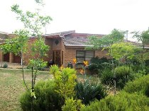 R 3,300,000 - 4 Bedroom, 2 Bathroom  Home For Sale in Aurora