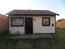 R 350,000 - 2 Bedroom, 1 Bathroom  Property For Sale in Buhle Park