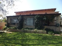 R 4,900,000 - 7 Bedroom, 7 Bathroom  House For Sale in Craighall