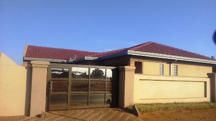 R900 000 3 Bed Vosloorus Property For Sale Property Info