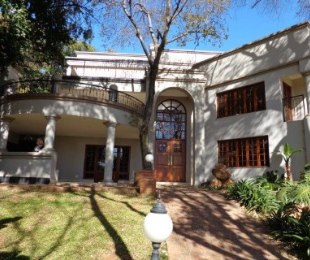 R 7,990,000 - 6 Bed House For Sale in Waterkloof