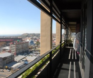 R 755,000 - 1 Bed Flat For Sale in New Doornfontein
