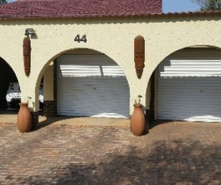 R 1,350,000 - 3 Bed House For Sale in Allen Grove