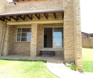 R 7,300 - 2 Bed Property To Rent in Wilgeheuwel