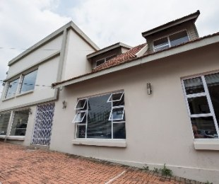 R 33,000 -  Commercial Property To Rent in Parkhurst