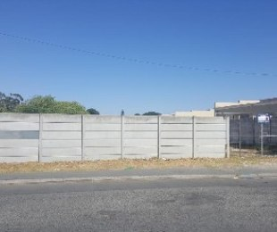 R 599,000 -  Land For Sale in Ravensmead